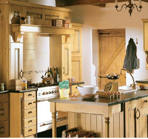 cottage-designer-for-best-kitchen-decor-wood-natural